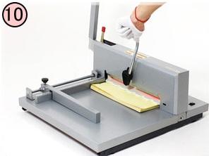 รายละเอียดเครื่องตัด กระดาษ, เครื่องตัดกระดาษมือโยก(A4), ราคาเครื่องตัดกระดาษ, ตัดกระดาษ, ที่ตัดกระดาษ , แท่นตัดกระดาษ,เครื่องตัดกระดาษไฟฟ้า, เครื่องตัดกระดาษมือโยก A3,  Paper Cutte,  ขาย เครื่อง ตัด, ขาย เครื่อง ตัด กระดาษ, ขาย ที่ ตัด กระดาษ, ตัดกระดาษหนา ๆ,  เครื่องตัดกระดาษคันโยก เอ4, ใบมีดเครื่องตัดกระดาษ , ใบมีดเครื่องตัดกระดาษมือโยก,  เครื่องตัดกระดาษ และเครื่องต่างๆ, ไอเดียเครื่องตัดกระดาษ,  เครื่องตัดกระดาษอัตโนมัติ, เครื่องตัดกระดาษแบบไฟฟ้า, จำหน่ายและนำเข้า เครื่องตัดกระดาษ เครื่องเข้าเล่มสันกาว