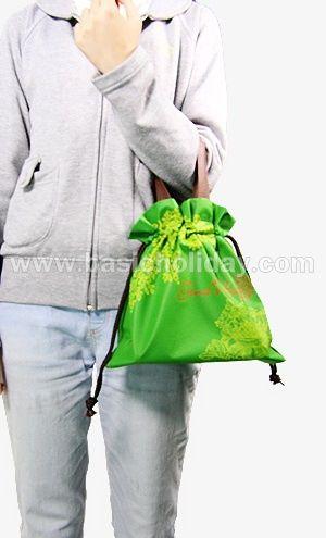 ถุงหิ้วผ้าสปันบอนด์หูรูดสีเขียว-Gina bag
