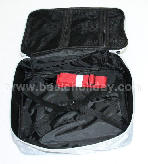 P 2906 กระเป๋าเดินทางท่องเที่ยว คล้องกับกระเป๋าลากได้  ขนาด 11x14x5 นิ้ว
