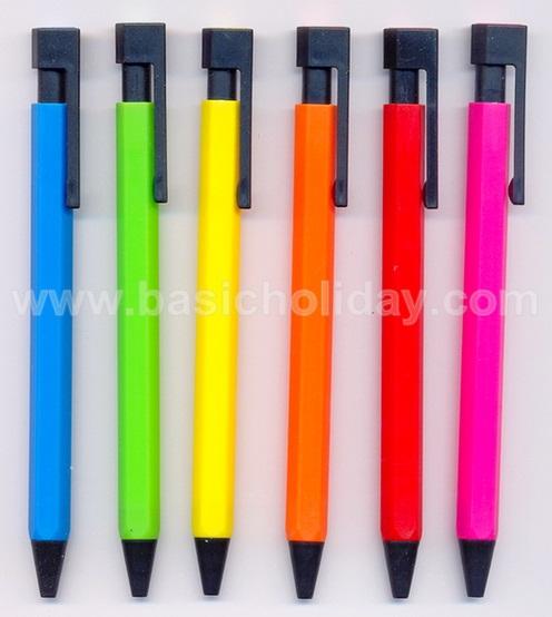ปากกาพลาสติก ปากกาสกรีนโลโก้ ปากกาพลาสติก พรีเมี่ยม ปากกาพรีเมี่ยม ปากกาแจก ปากกาของขวัญ