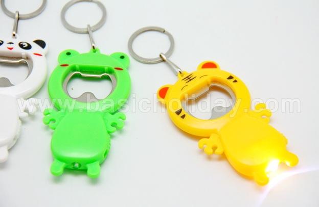 P 2588 พวงกุญแจเปิดขวดแบบสัตว์ มีไฟฉาย ถ่านในตัว ของพรีเมี่ยม-ของที่ระลึก-ของชำร่วย-สินค้าพรีเมี่ยม-premium-รับผลิตและนำเข้า
