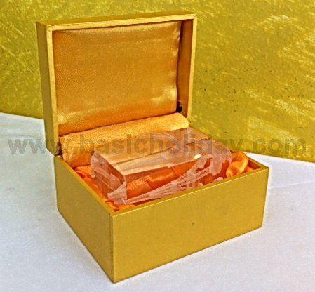 กล่องแก้วคริสตัลสี่เหลี่ยม แบบ 2 มิติ
