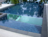 Glass Swimming Pool by DDSV Concept