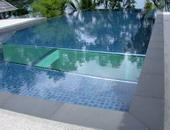 กระจกสระว่ายน้ำ by DDSV Concept