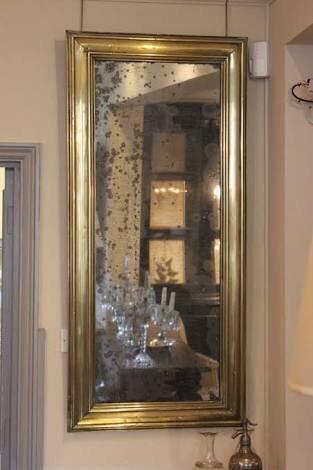 กระจกเงาโบราณ Antique Mirror