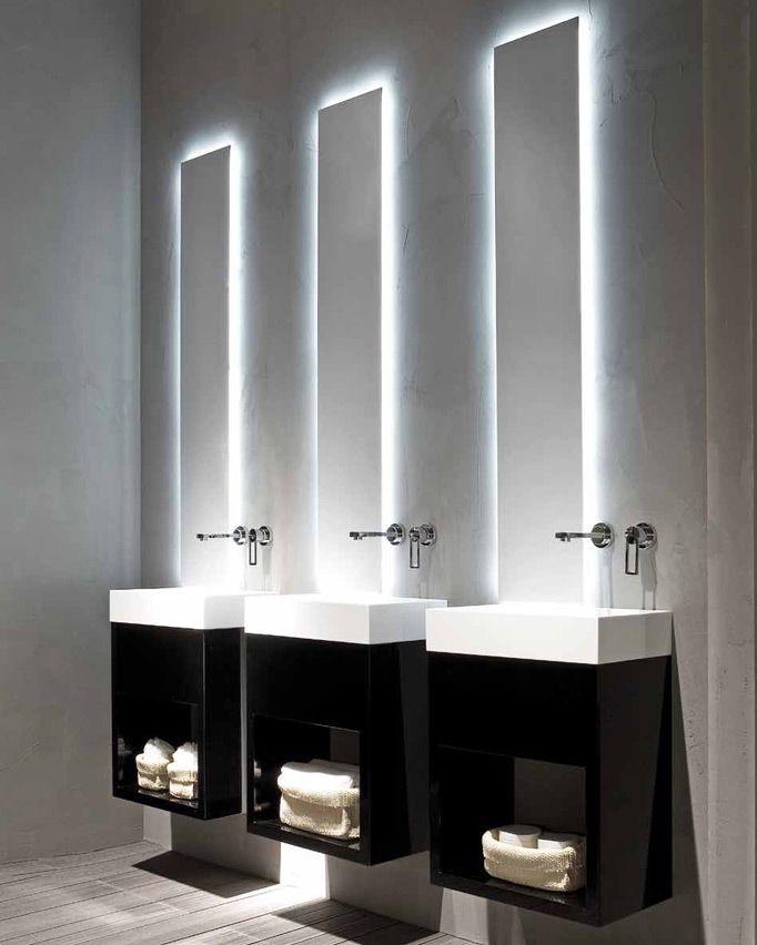กระจกเงาสีห้องน้ำ