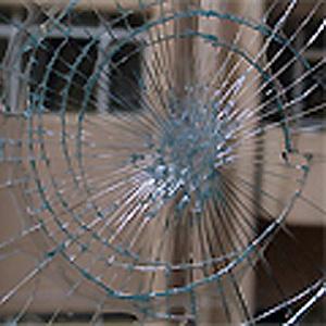 การแตกของกระจกลามิเนต
