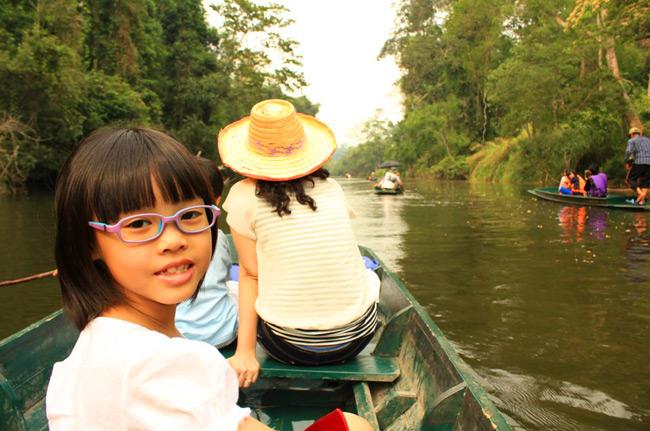พายเรือ ท่องป่า ตามหาแมงกะพรุนน้ำจืด