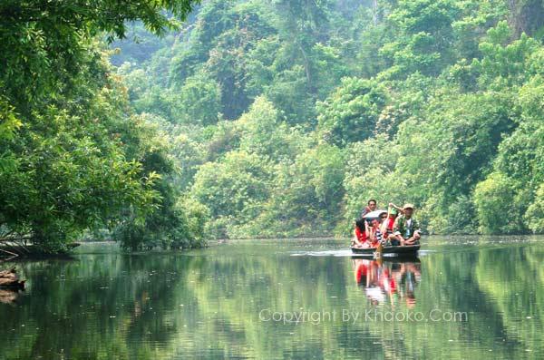 พายเรือท่องป่า ตามหาแมงกะพรุนน้ำจืด ที่หนองแม่นา เขาค้อ