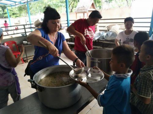✨การให้โดยไม่หวังผลตอบแทน  🎉ลูกค้าที่น่ารัก และ ทีมงาน คนไทยทัวขอร่วมบุญ ที่วัดดอนจั่น จ.เชียงใหม่ ซึ่งมีนักเรียนที่ยากไร้กว่า 740 คน
