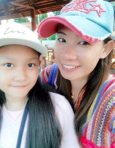 ผู้หญิง สาว สาว สาว เกือบ 95 % มาใช้บริการทริปเหนือกับ คนไทยทัวร