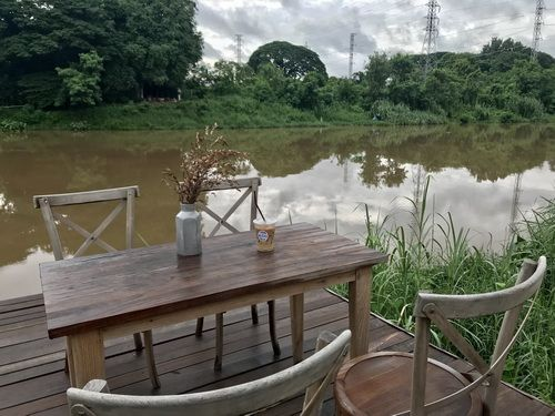 The Baristro at Ping river ,Chiang mai is hidden cafe Close to Ping river with a beautiful scenic view  กาแฟอร่อย บรรยากาศ และ  สถานที่นี้ เฉียบ มาก ขอบอก