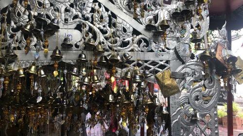 คนไทยทัวร์ ขอแนะนำ วัดศรีสุพรรณ ชมอุโบสถเงินหลังแรกของโลกเป็นพุทธศิลป์อันวิจิตร เป็น Unseenแห่งหนึ่งในจังหวัดเชียงใหม่