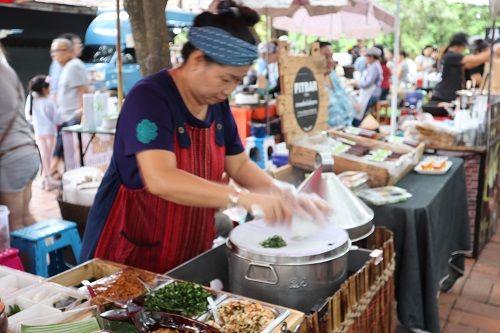 คนไทยทัวร์ พา ชม ชิม ช็อป เดินเล่นตอนเช้า ที่ Rustic Market เชียงใหม่