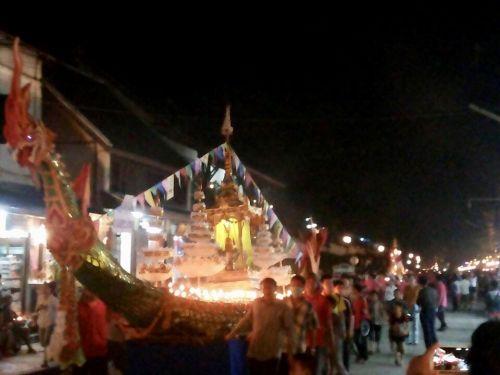 คนไทยทัวร์ ชวนออกทริป งานบุญออกพรรษา และบุญไหลเรือไฟ ที่ เมืองหลวงพระบาง ประเทศลาว