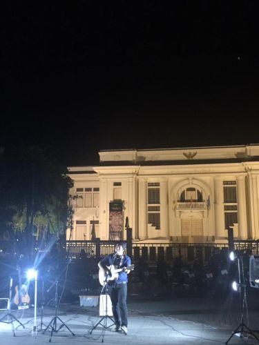 คนไทยทัวร์ พาเดินเล่นยามค่ำคืน  ที่  ถนนคนเดินวันอาทิตย์  ประตูท่าแพ สุดฮิต เชียงใหม่
