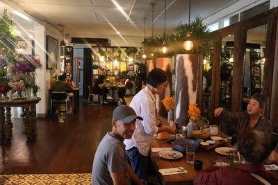 คนไทยทัวร์ แนะนำ  Woo cafe - art gallery เชียงใหม่