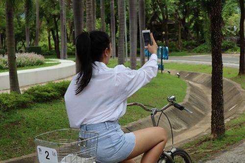 ชวนเธอมา ปั่นจักรยานเที่ยวชมสวน ที่ อุทยานหลวงราชพฤกษ์