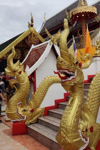 🔔คนไทยทัวร์ พาขอพร หลวงพ่อทันใจ ที่วัดพระธาตุดอยคำ เชียงใหม่  📍Wat Phra That Doi Kham (Golden Temple) ,Chiang Mai