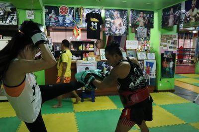 คนไทยทัวร์ ตาม น้องขวัญใจมาเรียนชกมวย และ ออกกำลังกันที่  👊🏼 ค่ายมวยศิษย์ทหารเอก ,เชียงใหม่