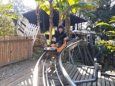 """💑 ทริป เชียงใหม่ อัพเดท สายลม ลมหนาว 3   วัน 2   คืน  ❄Family  Chiang mai winter 3 Days 2 Nights  ❄ครอบครัวคุณมณีนุช / ลูกค้ากลับมาใช้บริการอีกครั้ง   📌Hilight 📌   ✔พากินอาหารเช้า อร่อยๆ โจ๊กต้นพยอม ✔ชมความงามแม่กำปอง   ชมวิถีชีวิต Slow Life  / Mae Kampong Village  ✔พาท่านตะลุย หาร้าน จิบกาแฟ ร้านชมนกชมไม้ และอื่นๆ อีกมากมาย บรรยากาศ 360 องศา ✔เที่ยว  ห้วยตึงเฒ่า (คิงคองยักษ์) ชมความยิ่งใหญ่และถ่ายภาพกับหุ่นฟางคิงคองยักษ์แม่ลูก  /  High straw sculpture of King Kong at Huay Tung Tao Lake in Chiang Mai ✔เดินเที่ยว ชิวๆ  โครงการบ้านข้างวัด  Community mall สไตล์พื้นเมือง  / Baan Kang Wat - An Artist' Village ✔พักผ่อนที่ Siripanna Villa Resort & Spa, Chiang Mai  ระดับ 5 ดาว   ✔หมู่บ้านม้ง ดอยปุย -พระตำหนักภูพิงค์    /  Doi Pui  Phuping Palace - Royal winter residence Chiang Mai ✔เทศกาลงานศิลปะ และของแต่งบ้าน """"NAP""""  ที่นิมมาน เชียงใหม่  ✔เทศกาลงานออกแบบเชียงใหม่ 2019 Chiang Mai Design Week  ✔เที่ยวชมม่อนแจ่ม พร้อมชมวิว 360 องศา ชมโครงการหลวงหนองหอย   / Mon Jam Royal Project  ✔HomeStay  ที่  ม่อนวิวงาม ม่อนแจ่ม แนว โดม  VIP  ✔แวะเทียว ที่ โป่งแยง ซิปไลน์  แนะนำลองเล่น รถราง  มันส์มาก  / Pongyang Jungle Coaster Zipline Camp และ ขิวๆ ที ร้านกาแฟ วิวหลักล้าน  ✔ชมสวน พระนางเจ้าสิริกิต และ เดินเที่ยวสะพาน canopy walk  / Queen Sirikit Botanical Gardens ✔ชมความสวยงามของเขื่อนแม่งัด  และล่องเรือชมความงามของเขื่อน      ✔แวะสวนดอกไม้ ทุ่งดอกมากาเร็ตสีม่วง  สวนลุงรน แม่ริม เชียงใหม่    / Margaret flower garden ,Chiang Mai ✔และอื่นๆเล่าไม่หมด มาเถอะนะจ้า"""
