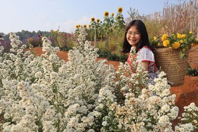 คนไทยทัวร์พาเที่ยวที่ ทุ่งดอกเวอร์บีน่า ไร่ดอกลมหนาว ม่อนแจ่ม เชียงใหม่