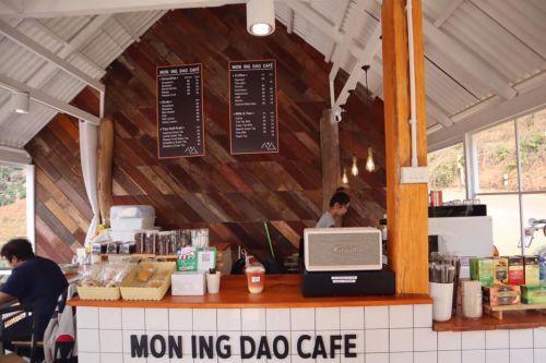 คนไทยทัวร์ แวะมาเชยชม cafe เปิดใหม่ เส้นม่อนแจ่ม อิงแอบธรรมชาติ วิว 360 องศา