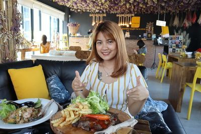Konthaitour Review & Interview กันที่ o ma ma café ,Chiang Mai