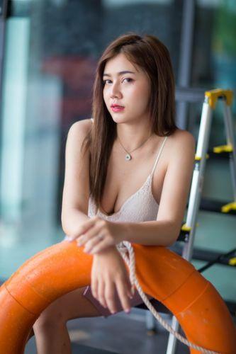 Konthaitour Photo  Portrait / Style sexy bikini pool party