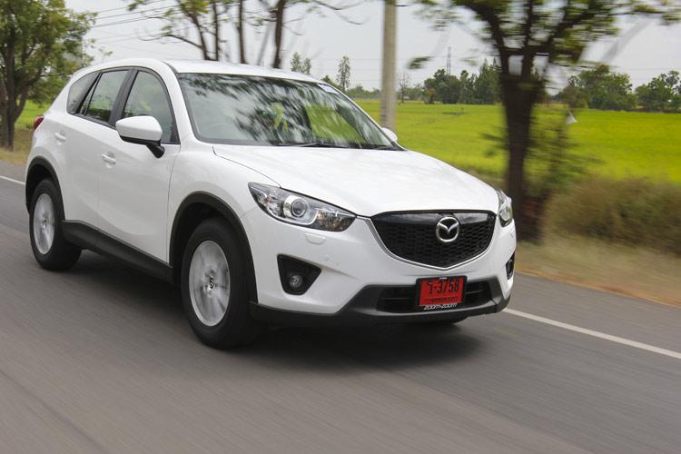 Mazda CX-5  ถือเป็นรถรุ่นหนึ่งของค่าย Mazda ที่ถ่ายทอดเทคโนโลยี SkyActiv มาเต็มรูปแบบ และแม้จะไม่ได้เป็นรถที่ประกอบในประเทศไทย เพราะ Mazda ยึดมาเลเซียเป็นฐานผลิต(เมืองไทยได้ทำเกียร์ SkyActiv ) แต่การทำตลาดยังมีให้เลือกถึง 4 รุ่นย่อย ใน 3 ทางเลือกเครื่องยนต์