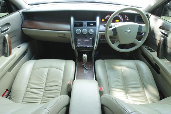Teana 200JK โฉม Minorchange รถปี 2007 เบาะไฟฟ้า เบรค ABS ถุงลมนิภัย ม่านข้าง ม่านหลังไฟฟ้า เครื่องดี เกียร์ดี ภายในสวย รับประกันว่าไม่มีชนหนักหรือน้ำท่วม มีแก๊ส LPG ให้แล้วประหยัดมากๆ ชอบรถใหญ่ๆขับสบายๆราคาเบาๆต้องคันนี้ครับ สำหรับท่านต้องการจะนำรถมือสองของท่านมาแลกเปลี่ยนหรือขายเป็นเงินดาวน์เราก็ยินดีนะครับเพราะเราให้บริการด้านรับซื้อรถมือสอง รถยนต์ รถบ้านทุกชนิด ด้วยราคามาตรฐาน เรายินดีรับซื้อรถยนต์ทุกประเภท ไม่ว่าจะเป็นรถเก๋ง รถกระบะ รถบรรทุก ฯลฯ สำหรับรถที่ติดจำนำ ค้างไฟแนนซ์ เราปิดไฟแนนซ์ ไถ่ถอน ให้ทันที สนใจสามารถสอบถามรายละเอียดหรือขั้นคยตอนในการซื้อขาย แลกเปลี่ยนรถได้ที่ 094-495-0454,087-502-5036 ครับ