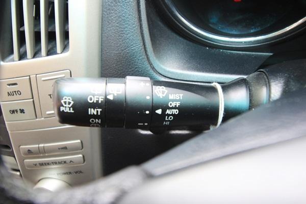 TOYOTA HARRIER AIR S รถปี 2003 ออพชั่นเพียบ ไม่เคยติดแก๊ส ไม่เคยเกิดอุบัติเหตุ สมบูรณ์ทุกฟังค์ชั่น ถุงลมนิรภัย 8 จุด เบาะคู่หน้าปรับไฟฟ้า ช่วงล่างถุงลมปรับสูงต่ำได้ 3 ระดับ ฝาท้ายเปิด+ปิดไฟฟ้า ไฟหน้าออโต้ปัดน้ำฝนออโต้ หลังคาแก้ว เรดาห์ครูซคอนโทรล แอร์หลังเบาะนุ่มภายในเงียบ รถพร้อมเลยครับ