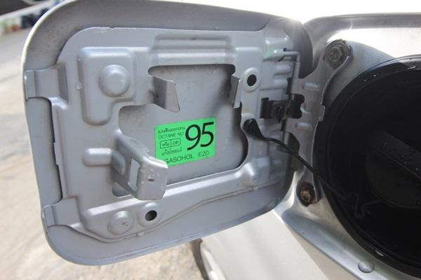 Camry 2.0G ปี 2010 โฉม minorchange แล้ว เบาะคู่หน้าปรับไฟฟ้า แอร์แยกซ้ายขวา+แอร์ผู้โดยสารหลัง ม่านบังแดดรอบคัน ถุงลมนิรภัยคู่หน้า ครูซคอนโทรล พวงมาลัยมัลติ เซ็นเซอร์กะระยะหน้า+หลัง ภายในสีครีมพร้อมลายไม้ รถสวยไม่เคยเกิดมีอุบัติเหตุ ไม่เคยติดแก๊ส ออกรถง่ายๆสอบถามเงื่อนไขได้ครับ