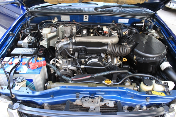 Toyota Sport Cruiser 2.5S 4WD รถปี 2002 เกียร์ธรรมดา รถเดิมสนิท ไม่เคยทำสี ไม่เคยน้ำท่วม ภายในสวย สะอาด รถมือเดียวดูแลอย่างดี รถพร้อมใช้เลยครับ