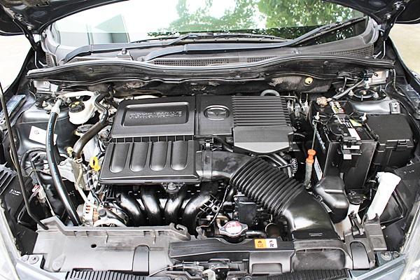 MAZDA 2 1.5 Spirit ปี 2010 เกียร์ออโต้ พวงมาลัยมัลติฟังค์ชั่น จอแสดงข้อมูลการขับขี่ ภายในเบาะหนังสีดำ กระจกข้างปรับไฟฟ้า เซ็นเซอร์ถอย 2 จุด เครื่องยนต์, เกียร์, ช่วงล่างดีมาก รถไม่เคยติดแก๊ส ไม่มีอุบัติเหตุหนัก สภาพดีเปลี่ยนทุกอย่างตามระยะ คู่มือรถครบครับ