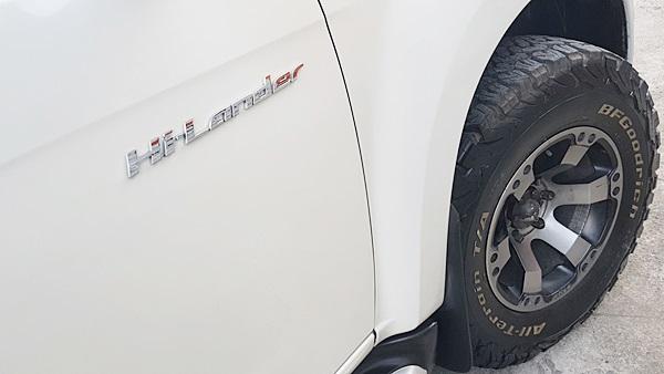 Isuzu Hilander 2.5 VGS z prestige ปี 2012 เกียร์ออโต้ เนวิเกเตอร์ กล้องถอยหลัง จอ DVD พวงมาลัยมัลติฟังค์ชั่น แอร์ปรับอุณหภูมิอัตโนมัติ เบาะหนัง ขับน้อยบอดี้สวย ไม่มีชนหนัก เครื่องเกียร์เดิมๆ สมบูรณ์ แต่งแค่ภายนอก ฝาท้ายแครี่บอย ยกไฟฟ้า ใช้งานง่าย แมกซ์+ยางใหม่ ใช้งานไม่ถึง 5,000 กิโลเมตรครับ