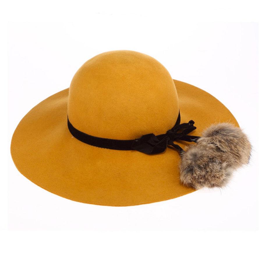 10913L หมวกแฟชั่นทรงปีกกว้าง ผูกโบว์แต่งปอมขนกระต่าย