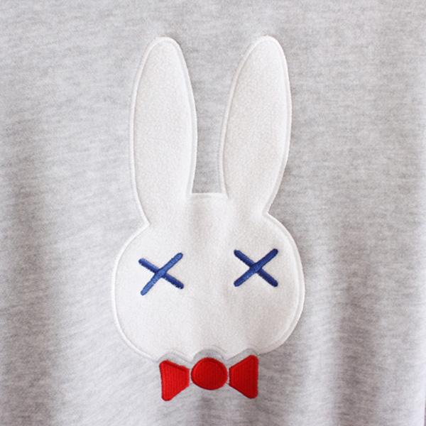 เสื้อกันหนาว เสื้อสเวตเตอร์ปักลายกระต่าย แขนยาว