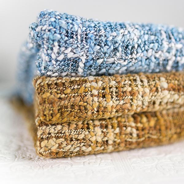 ผ้าพันคอผืนยาว ไหมพรมนุ่มสลับสีปลายแต่งริ้ว แฟชั่นหน้าหนาว