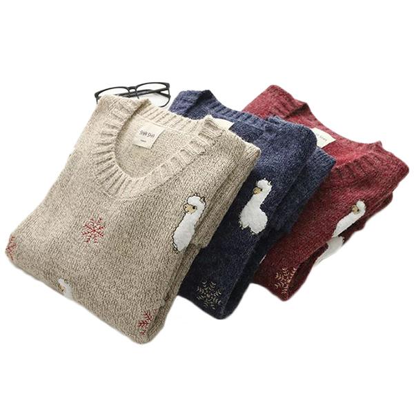 เสื้อไหมพรมกึ่งวูลหนานุ่ม ปักลายแกะน้อย แต่งกระเป๋าคู่