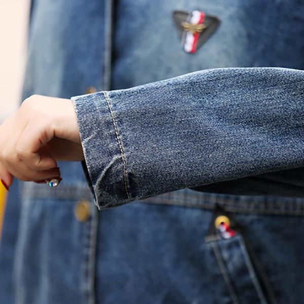 เสื้อแจ็คเก็ตยีนส์ฟอกเนื้อนิ่ม มีฮู้ด แต่งกระเป๋ากลางหลังเก๋ๆ