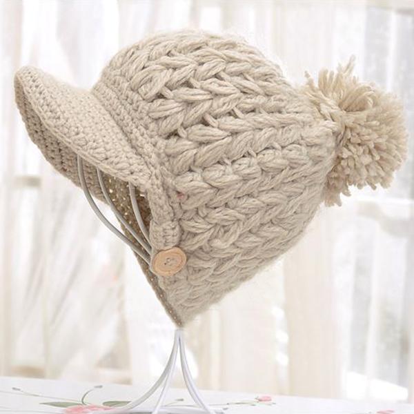 หมวกแฟชั่นหน้าหนาว ไหมพรมหนานุ่มแต่งปอมใหญ่