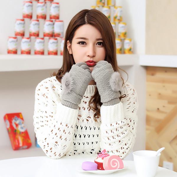 ถุงมือไหมพรมกันหนาว แต่งป้อมน่ารัก แยกชิ้น ใส่ได้สองแบบ