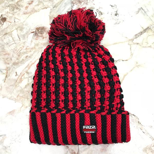 หมวกไหมพรมถักลายสลับสีแต่งปอมใหญ่ ซับผ้าสำลีกันหนาว