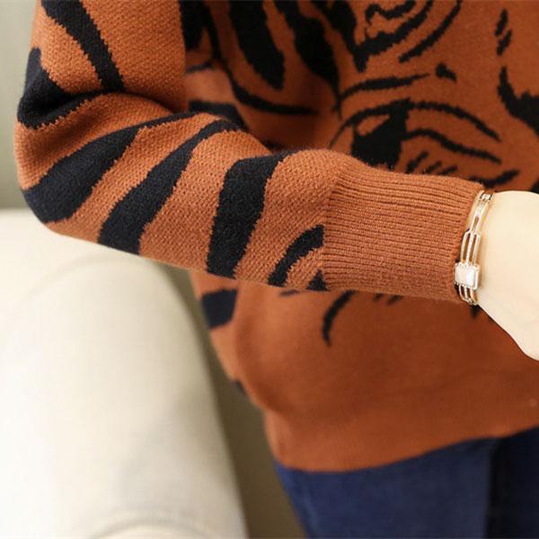 เสื้อสเวตเตอร์กันหนาว คอปีน ไหมพรมกึ่งวูลเนื้อหนาถักลายเสือ