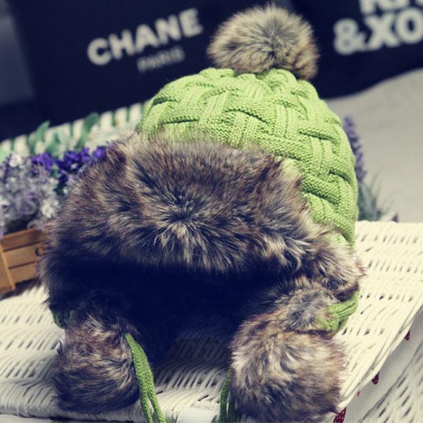 หมวกกันหนาวแบบปิดหู ไหมพรมถักลายนูนแต่งเฟอร์