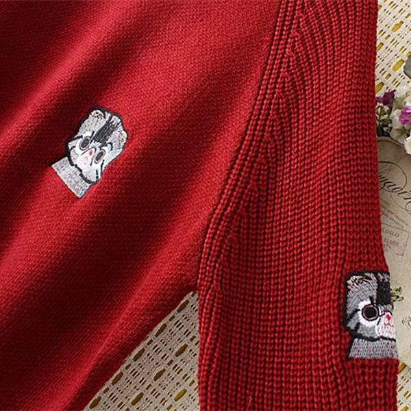 เสื้อสเว็ตเตอร์ไหมพรมถักลายนูน แต่งปักลายแมววินเทจ
