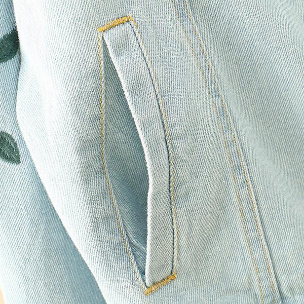 เสื้อแจ็คเก็ตยีนส์ตัวสั้น แขนยาว ปักลายดอกไม้วินเทจ (12108LM)