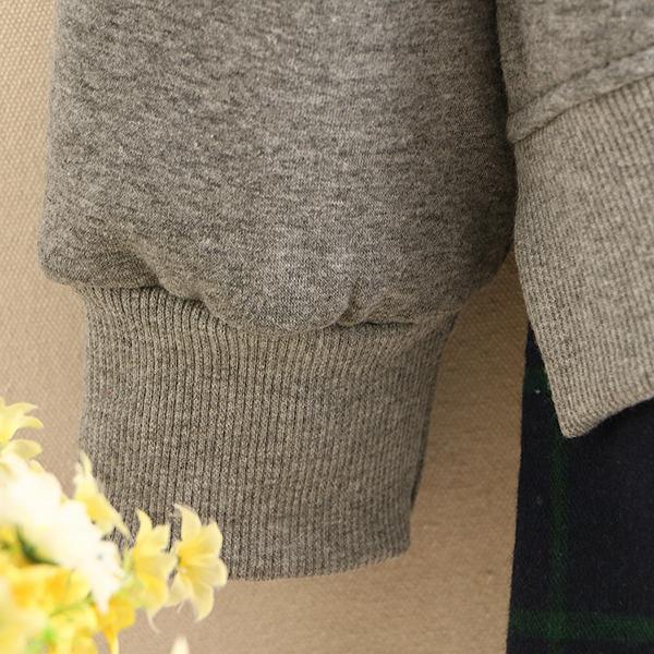เสื้อสเวตเตอร์คอปก ซับกำมะหยี่เต็มตัว แต่งปักลายดอกไม้วินเทจ
