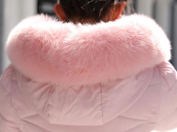 เดรสโค้ทกันหนาวติดลบลุยหิมะได้ มีฮู้ดเฟอร์ใหญ่ถอดได้
